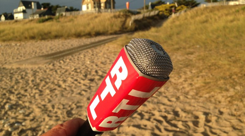 micro Do 21 b - Reporter radio RTL